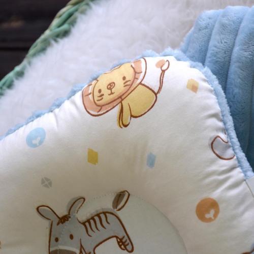 """Ортопедическая двусторонняя подушка для новорожденных """"Зоопарк"""" голубой плюш Plamka (Poland)"""