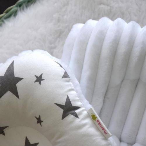 """Ортопедическая двусторонняя подушка для новорожденных """"Звезды серые"""" белый плюш Plamka (Poland)"""